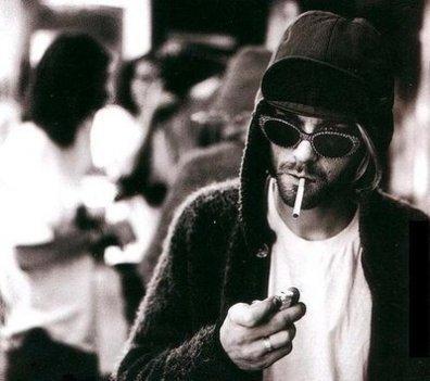 On dit que les meilleurs partent les premiers.. Je hais cette phrase, elle est tellement vrai.. !   Kurt Cobain ♥