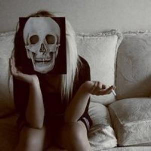 Un mec amoureux, c'est discret. Par contre une fille amoureuse, même un aveugle le sais.