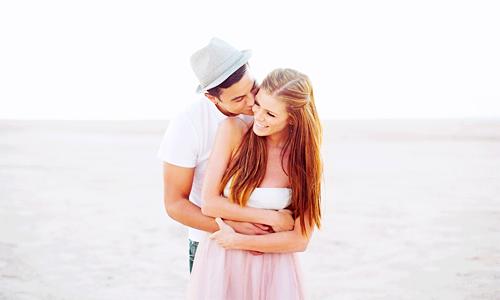 """""""Peu importe le problème, avant d'être aimé, il faut d'abord s'aimer soi-même."""""""