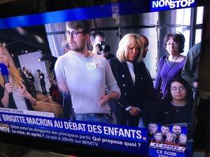 Brigitte Macron sort du bois ËdÜcÄtÏÖn