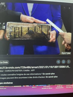 croix celtique Joe Biden Bible Irlande Ä Douai