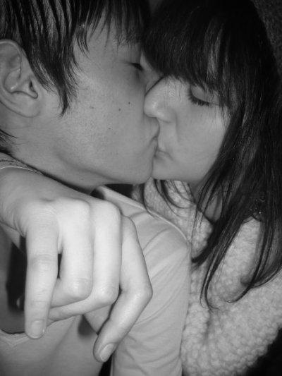 Ah l'Amour, ce pincement au coeur qui nous indique qu'on s'est attaché, & qu'on tient à une personne, cette dépendance inconsciente. On ne sait si c'est un bien ou un mal. Tout ce que l'on sait, c'est que lorsque tout va pour le mieux, on est content de l'avoir. ♥