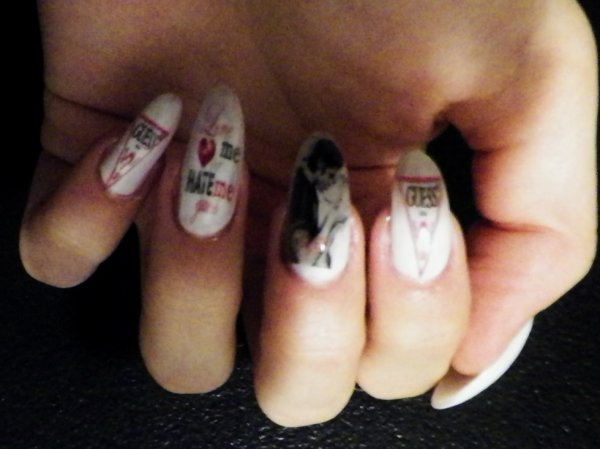 NAIL ART : LOVE ME OR HATE ME : NAIL MADE IN L
