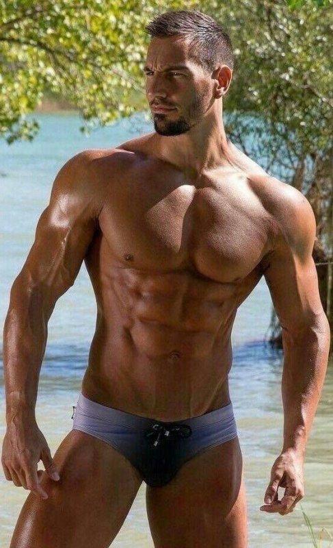 Le sexy boy du jour