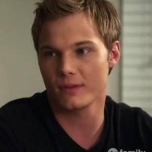 Sean Ackard ( l'ex d'Hanna )