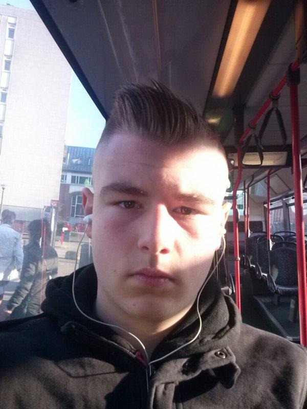 Moi au retour du coifeur avis