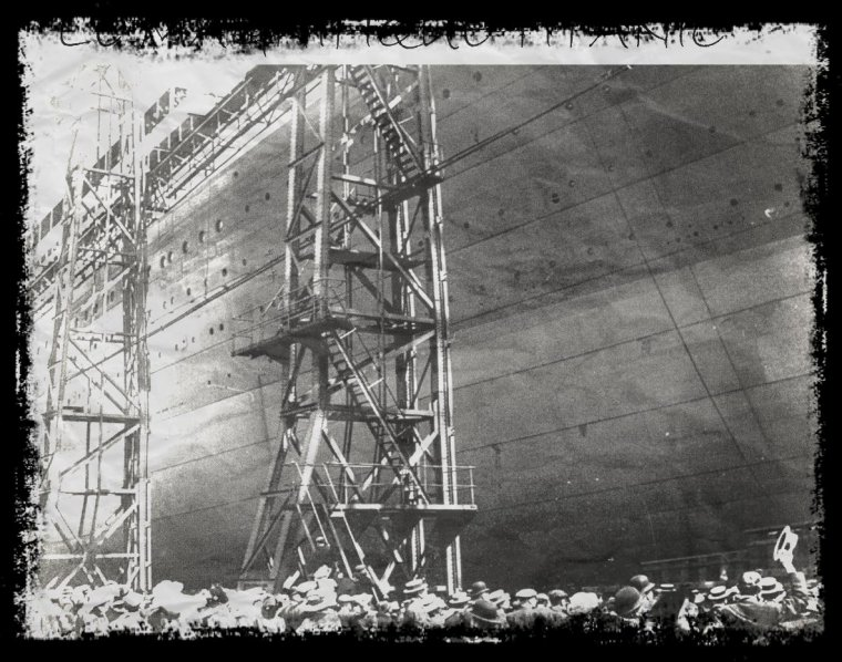 Photo inédite du Titanic avant le départ du lencement.