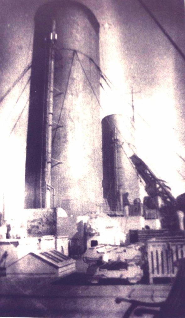 Le  pont  du HMHS Britannic au niveaux du compasavec quelques détailles sur cette photo