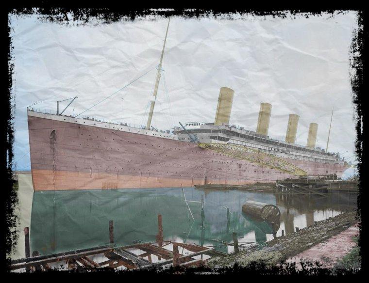 Le RMS Titanic en Armement à Belfast colorisé par moi.