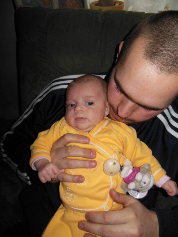 Ma petite puce et son papa <3