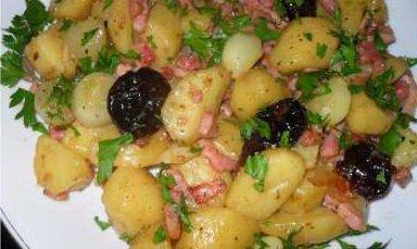 pommes de terre aux pruneaux et au lard