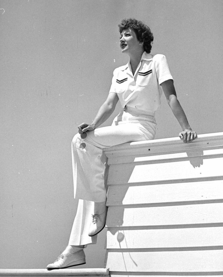 Claudette COLBERT