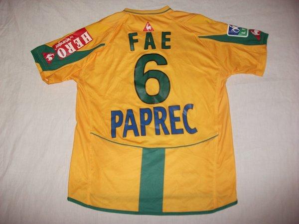 Saison 2004-2005 : Maillot porté par Emerse Faé contre Lens.