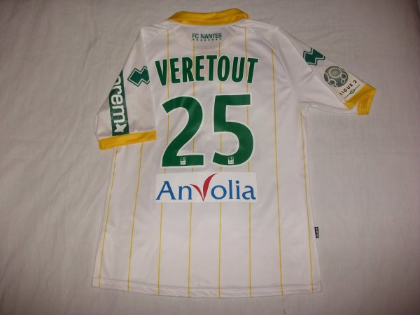 Saison 2011 - 2012 : Maillot porté par Jordan Veretout à Laval.