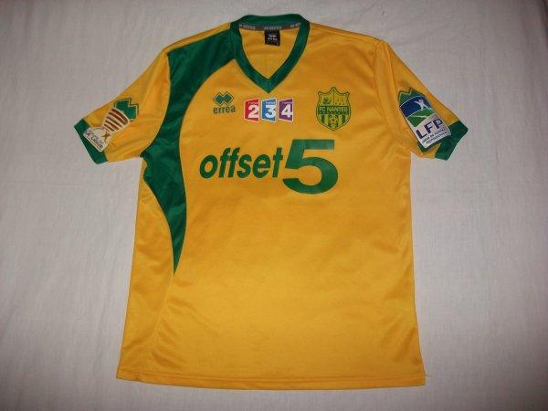 Saison 2012 - 2013 : Maillot porté par Gabriel Cichero en Coupe de la Ligue à Angers.