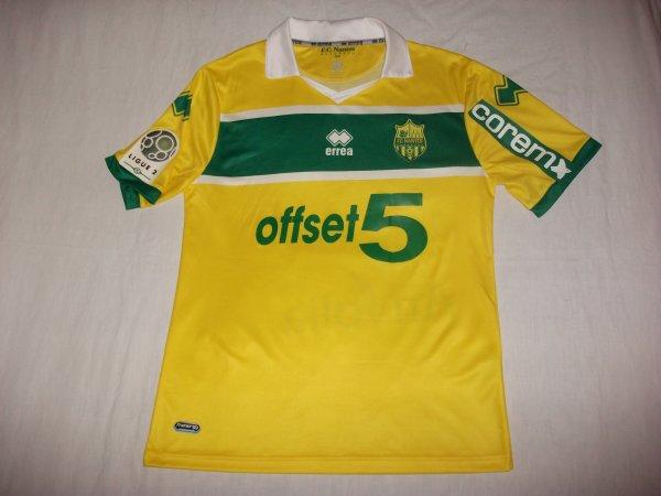 Saison 2012 - 2013 : Maillot porté par Vincent Bessat contre Caen.