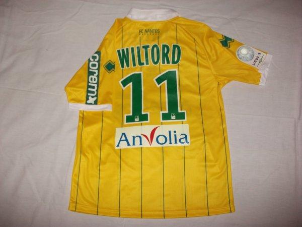Saison 2011 - 2012 : Maillot porté par Sylvain Wiltord.