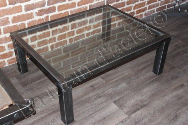Table basse paris la main d 39 acier for 13 a table paris