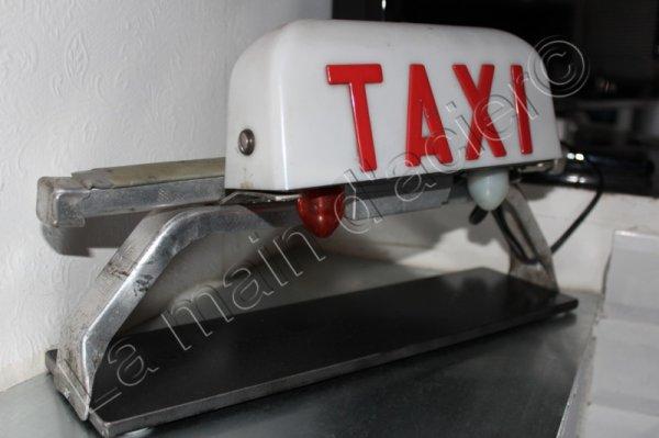 lampe taxi la main d 39 acier. Black Bedroom Furniture Sets. Home Design Ideas