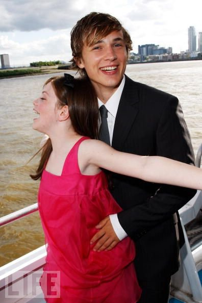 William Moseley og Anna Popplewell dating 2012