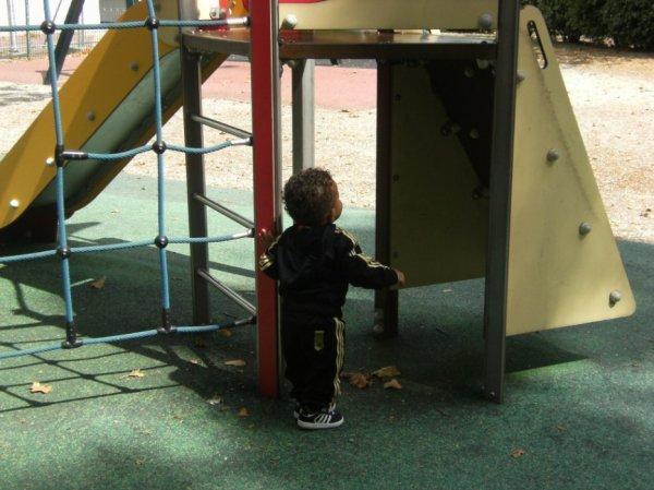 mon petit Noah au parc