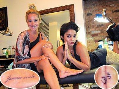Ashley et Vanessa le tattouage de l'amitié