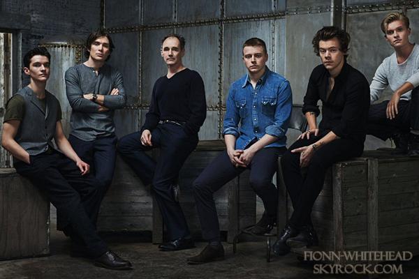 Nouvelle image de Fionn  avec le cast de Dunkirk