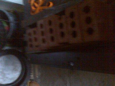 mes briques sur mon plateau car il a de la flote de dans et j'ai du les retres hier au soir
