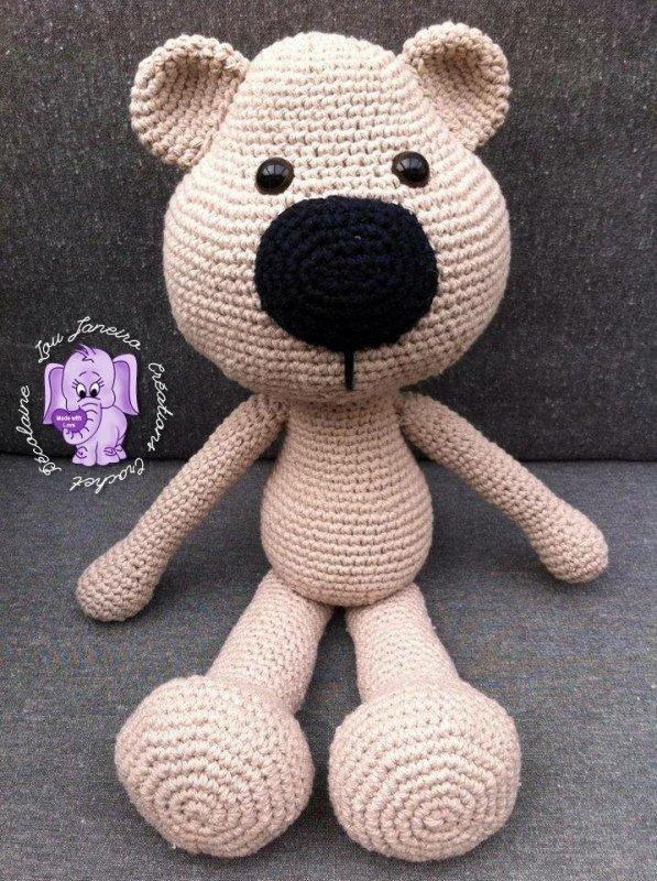 Un ours au crochet en coton beige