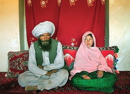Pedofilia autorizzata: Le spose bambine islamiche sono 60 milioni ed hanno meno di 13 anni.