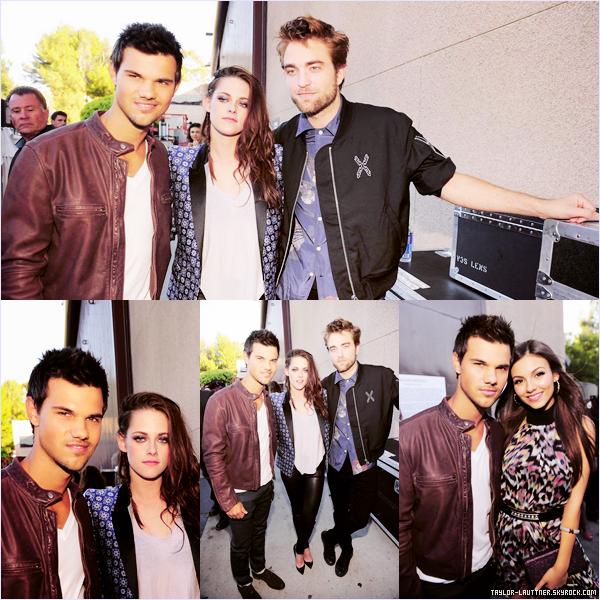 .  22.07.12  Taylor Lautner ainsi que le cast de Twilight étaient aux Teen Choice Awards 2012.   .
