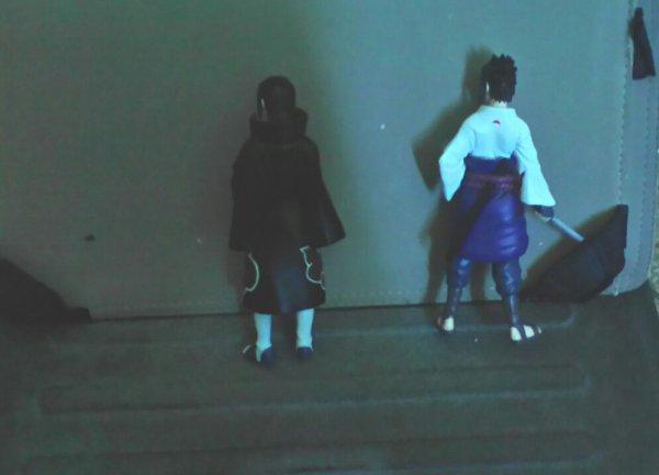 Sasuke et Itachi en figurine