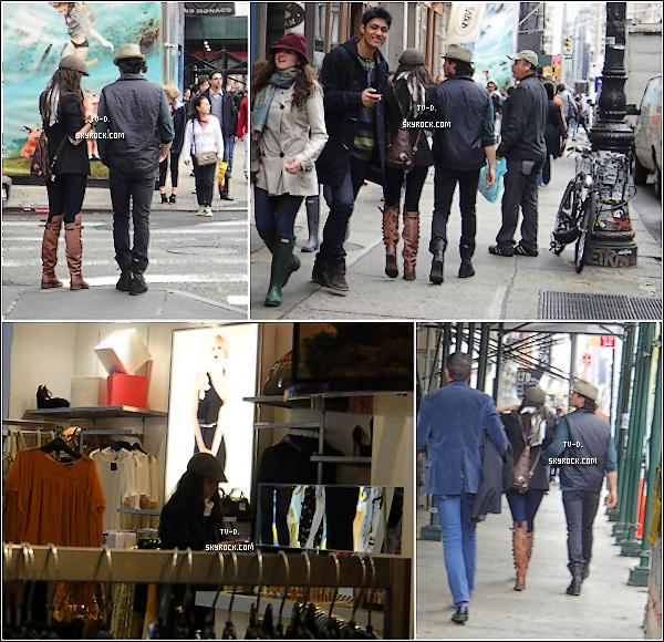 * Nina Dobrev et Ian Somerhalder à New-york le 17 mai. *