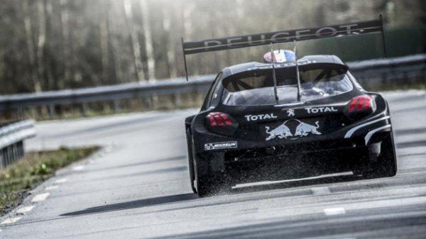 Sébastien Loeb ; Peugeot 208 T16 ..