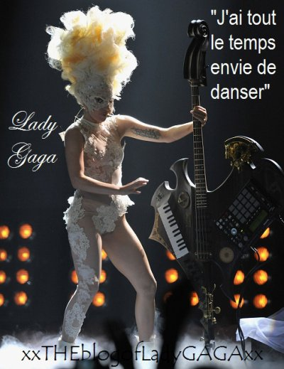 Lady Gaga au piano...