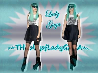 Lady Gaga qui se ballade dans la rue : (ca ce remarque ! lol) ;D