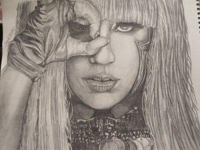 Voici des dessins de Lady Gaga :