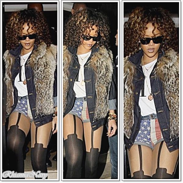 12 Novembre Rihanna quitte le restaurant Nozomi à Londres , ou de nombreux curieux l'attendaient, Alors top ou plutot flop ?