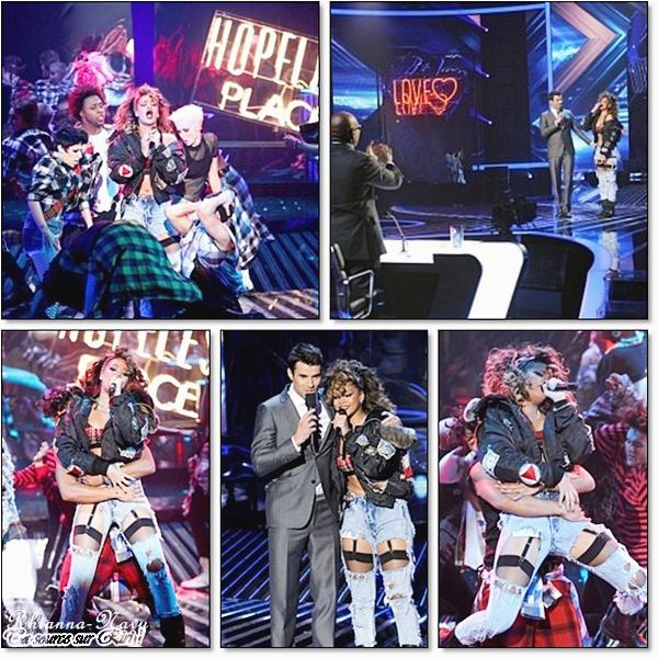 Rihanna vient d'interpréter pour la première fois en direct live son premier single « We Found Love » à l'émission américaine « X-Factor ». Une chose est sûre: le public a été complètement envouté par cette superbe performance, avec une belle chorégraphie et un fabuleux décor !, Rihanna a trés bien chanté elle est superbe !