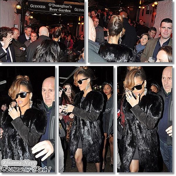 RIHANNA FÊTE THANKSGIVING À DUBLIN  Le 24 Novembre  Rihanna fête Thanksgiving au « O'Donoghue's » Même éloignée des Etats-Unis, Rihanna a fêté hier soir Thanksgiving accompagnée de ses proches et de son équipe du « Loud Tour » au « O'Donoghue's » pub à Dublin. Elle aurait réservé le pub pour 100 personnes et commandé un dîner spécial Thanksgiving pour que tous les membres de son équipe, éloignés de leurs familles lors de ce jour important aux Etats-Unis, puissent célébrer dignement ce dîner.   Top ou flop ?