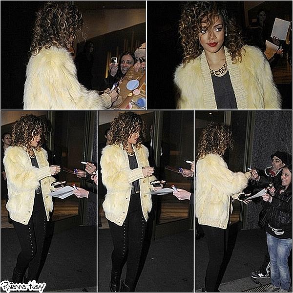 ***** Le 13décembre:  Rihanna sortant de son hôtel à Milan hier, où elle était attendue par de nombreux fansTop ou flop? *****