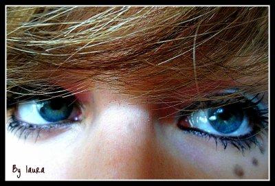 Derrière se regard se cache un regard amoureux :]