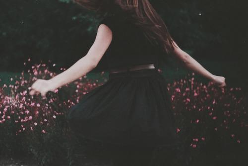 « Il n'y a pas d'âge pour réapprendre à vivre. On ne fait que ça toute sa vie. » - Françoise Sagan
