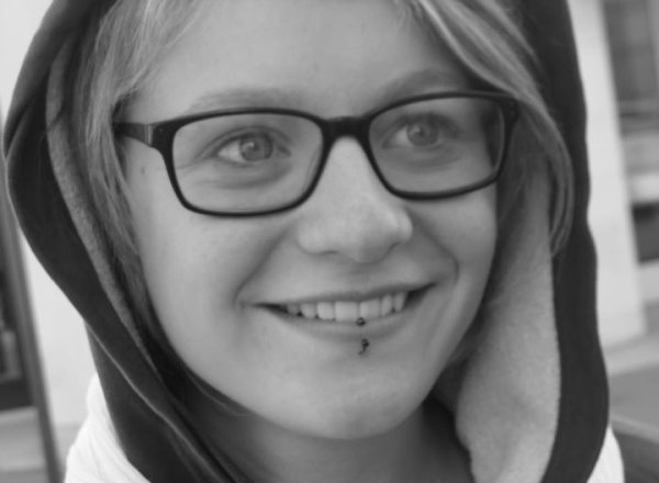 Esther.C  16 ans Heureuse