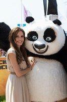 Festival de Cannes 2011: Angelina Jolie tombe dans les bras d'un autre