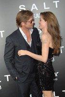 Angelina Jolie : son nouveau tatouage est bien pour Brad Pitt