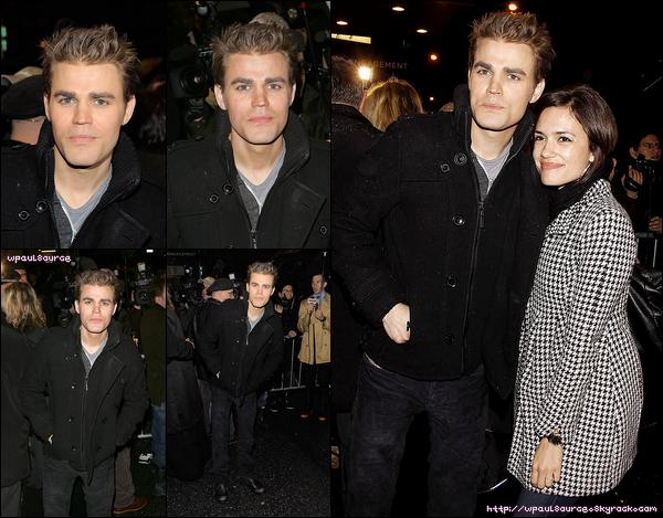 """6 Mars 2011 Paul et sa copine Torrey étaient à Brodway pour la première de la pièce """" That Championship Season """" Il a l'air de faire froid. C'est bien fait pour eux   ;)"""