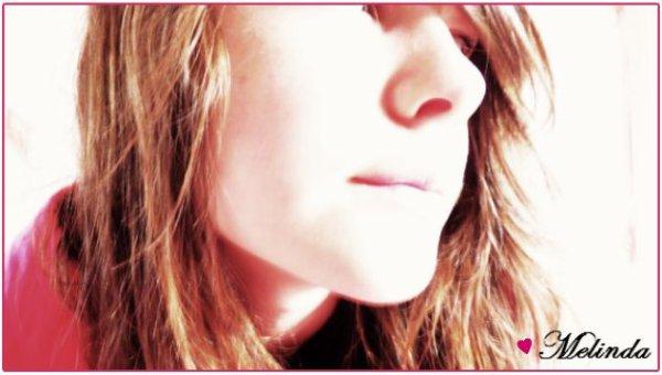 « Demoiselle se dit pαrfαite elle se lα pette , Les yeux αbimés α force de pleurer , le coeur déchiré d'αvoir trop αimé . Elle ne mαrche jαmαis lα téte bαissée , méme si lα vie l'α proffondément blaissé... ܤ »