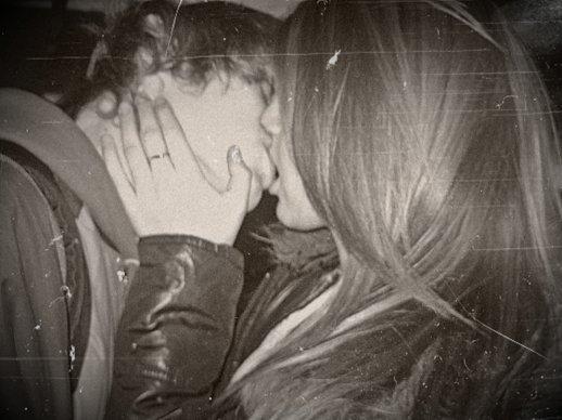 Le vrai amour,lui,n'est réel que lorsque qu'il est partagé. Je ne suis pas naïve, j'ai juste envie d'y croire.