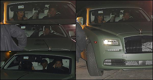 *08/02/15 - Kylie été présente au GQ and Giorgio Armani's Grammy after party. Kylie était vêtue d'une magnifique robe blanche transparente et brillante. Je la trouve juste resplendissante !  Des avis ? *